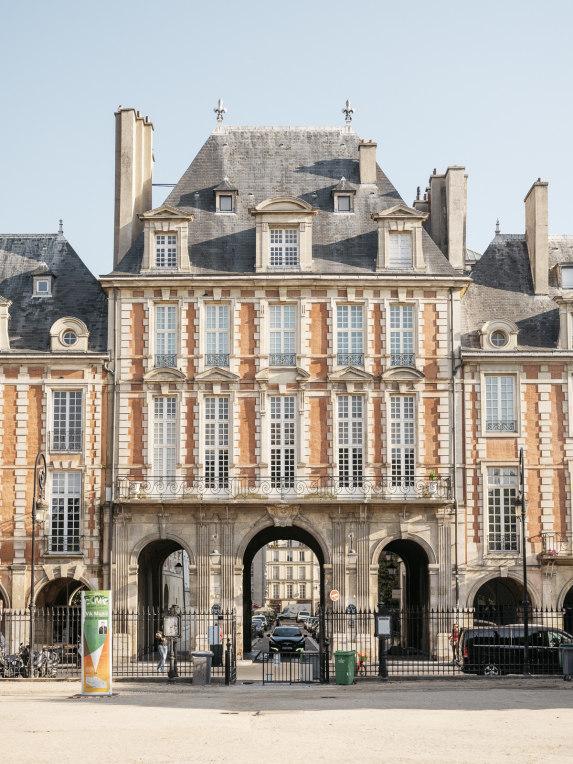 """Collection """"Place des Vosges"""" Sophie Sarfati 2022"""